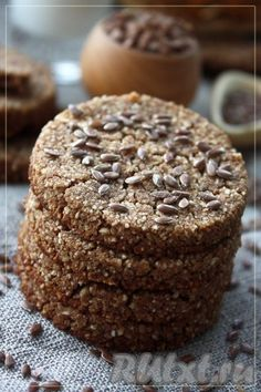 Buckwheat bread- Have a nice day! Buckwheat Bread, Vegan Bread, Chocolate Chia Pudding, Chocolate Strawberry Cake, Croissant, Vegan Recipes Easy, Cooking Recipes, Israeli Breakfast, Baguette