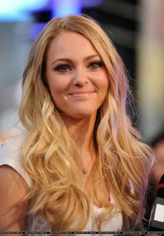 Anna Sophia Robb :) Love her movies. Watch Soul Surfer. Should have gotten an Oscar or something!!!