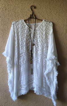 Romantic Beach kaftan with lace and crochet design / Bohemian Angel