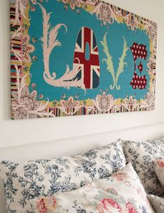 The carpet in the bedroom is by Paul Smith for The Rug Company. Union Jack, British, Love, Art {via Elle Decor Espana}