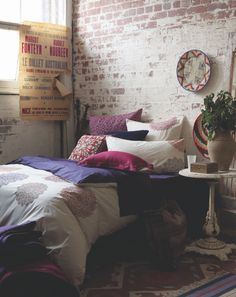 Bare brick walls and lots of pillows Dream Bedroom, Home Bedroom, Bedroom Decor, Bedrooms, Brick Bedroom, Bedroom Ideas, Bedroom Designs, Bedroom Colors, Modern Bedroom