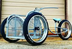 you want to buy 2 cases of beer (bottles) and cannot figure out how to get them across town to the party? Simply buy a… Tricycle Bike, Trike Bicycle, Cruiser Bicycle, Motorized Bicycle, Cool Bicycles, Cool Bikes, Beer Bike, Velo Cargo, Diy Go Kart