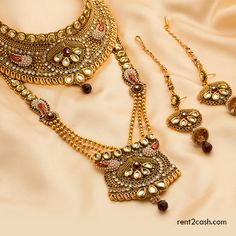 Jewelries are the prime element that helps to enhance the look of a lady to a large extent. If you are dreaming to wear it then rent it from Rent2cash.