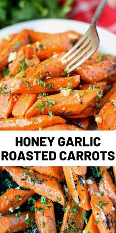 Honey Garlic Roasted Carrots are delicious, tender and tossed in a sweet honey garlic butter sauce. Food Recipes For Dinner, Food Recipes Deserts Vegetable Sides, Vegetable Recipes, Vegetarian Recipes, Cooking Recipes, Healthy Recipes, Vegetarian Sweets, Vegetarian Roast Dinner, Healthy Food, Carrot Recipes