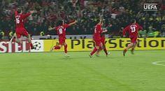 """Gol de pé quebrado, """"Mão de Deus"""": final Liverpool x Milan faz dez anos http://glo.bo/1Bmf0sx"""