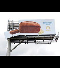 Vous reprendrez bien une part de cake à la banane chez McDonald's? #publicidad #valla #cake #banana #macdonalds