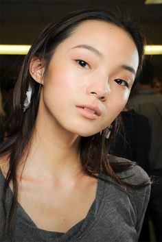 Xiao Wen Ju, a Chinese model, has got some stunning, acute features.
