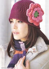 Free crochet cloche, hat with flower pattern.