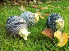 Ihan Kaikki Kotona: Minit Garden Sculpture, Knitting, Outdoor Decor, Fun, Crafts, Yarns, Stitches, Home Decor, Manualidades