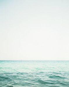 Blogged a blue-sky-warm-day-family-session in Saint Tropez. Just because I've been thinking a lot about summer these past cold days!  link in bio  / Postei uma sessão de família estilo céu-azul-dia-quente fotografada em Saint Tropez. Só porque o verão não sai da minha cabeça nesses últimos dias bem frios.  Link no perfil 