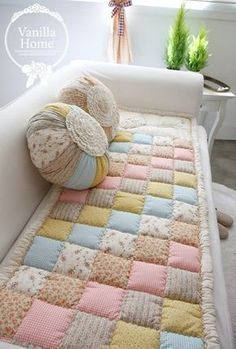 Beautiful Sofa Throws And Slipcovers , Che. - Beautiful Sofa Throws And Slipcovers , Check more at - Sofa Makeover, Quilt Baby, Manta Quilt, Quilting Projects, Sewing Projects, Diy Quilting, Patchwork Quilting, Easy Projects, Quilting Ideas