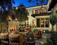 Tuscan style backyard.  LOVE THIS!!