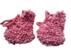 Hey, I found this really awesome Etsy listing at https://www.etsy.com/listing/257977833/sale-uk-hand-knit-baby-girls-booties