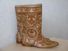 Created by master of leather mosaic Nailya Kumysnikova Работа Н.Кумысниковой