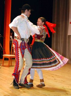 Kroje a tak : Photo Shall We Dance, Just Dance, Costumes Around The World, Ethnic Dress, Dance Art, Folk Costume, World Of Color, Dance The Night Away, Pictures To Paint
