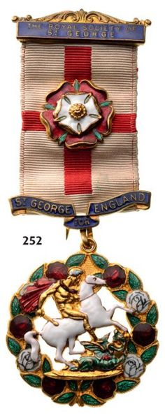 Country: GREAT BRITAINBreast Badge, 40 mm, gilt bronze, obverse enameled (small crack in the white enamel), original . Royal Society, Arts Award, Saint George, White Enamel, Great Britain, United Kingdom, Badge, Saints, Arms