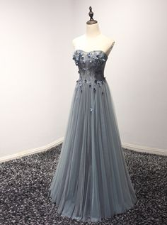 Elegant Appliques Lace up Tulle Prom Dresses,