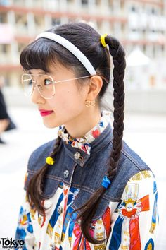 Japanese model and actress A-pon wearing mixed prints fashion with cropped jacket, plaid skirt, patent lace up pointy shoes, a red handbag, and Chanel earrings. Harajuku Style, Harajuku Fashion, Chanel Earrings, Red Handbag, Reggae Music, Japanese Models, Plaid Skirts, Mixing Prints, Fashion Dresses