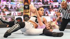 Alexa Bliss vs. Shayna Baszler: photos Shayna Baszler, Wwe Pay Per View, Mind Games, The Cell, Wwe Photos, Superstar, Bliss