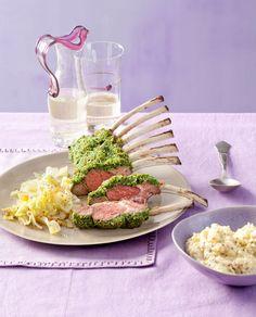 Lammkarree mit Pinienkernkruste und Spitzkohl - mit Weinempfehlung ein Genuss