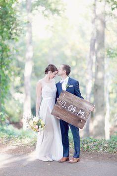 Wedding date sign: http://www.stylemepretty.com/2015/03/30/secret-garden-inspired-alabama-wedding/ | Photography: Simply Bloom - http://www.simplybloomphotography.com/