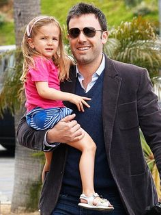 """Ben Affleck with daughter Seraphina. Follow TheMobileMoms find """"Repin to Win"""" Contest Board"""