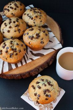 Bakery style chocolate chip cookie muffins look delicious! A crispy sky-high muffin top, full of chocolate chips, soft and buttery - what a perfect way to start your morning. Just Desserts, Delicious Desserts, Dessert Recipes, Yummy Food, Tasty, Muffin Recipes, Baking Recipes, Best Muffin Recipe, Chili Recipes