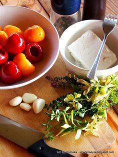 papryka-czeresniowa-nadziewana-feta-z-ziolami-w-oleju Feta, Cantaloupe, Eggs, Fruit, Vegetables, Breakfast, Morning Coffee, Egg, Vegetable Recipes