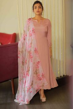 Online Shopping of Peach Sober salwar Suit from mongoosekart, best products,fatest delivery available here, Huge collection of Straight fit Salwar suit . Simple Kurti Designs, Salwar Designs, Kurti Neck Designs, Kurta Designs Women, Kurti Designs Party Wear, Indian Designer Outfits, Indian Outfits, Indian Attire, Designer Punjabi Suits