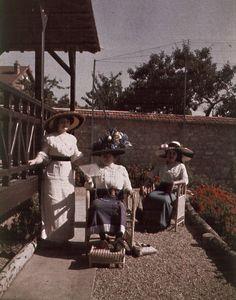Photo Exhibit   Detail   Anonymous - Three Women in Hats in a Garden 1910 autochrome