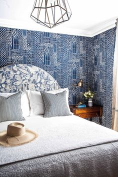 Halcyon House - Anna Spiro - Temple & Webster Journal. The Cloud Feather Down Bed Topper, Pillows and Bed Linen supplied by HotelHome Australia. #thecloud #hotelhome #halcyonhouse