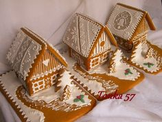 chalúpky, vianočné | Medovníky Artmama.sk Christmas And New Year, Simple Christmas, Christmas Crafts, Christmas Gingerbread House, Gingerbread Houses, Food Goals, Christmas Cooking, Cookie Designs, Food Crafts