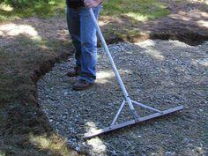 How to Lay a Circular Paver Patio | how-tos | DIY