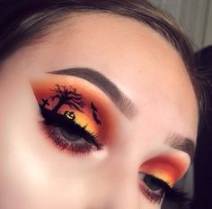 Crazy Halloween Makeup, Holiday Makeup Looks, Halloween Eyes, Halloween Makeup Looks, Crazy Makeup, Edgy Makeup, Eye Makeup Art, Skin Makeup, Eyeshadow Makeup