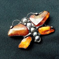 Classy GIFT. Lovely brooch . Butterfly made of natural Baltic amber and pearls // PREZENT. Broszka cudna.Motyl z bursztynu i pereł