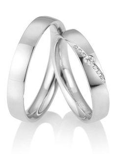 Klassische Weißgold Ringe. Ringbreite: 4,0 mm. Kollektionen: Zeitlose Klassiker. Steingröße & Qualität: ges. 0,073 ct w/si. Material: Weißgold. Ringhöhe: 1,8 mm. Oberfläche: glänzend, mattiert. Lieferzeit: 7-10 Werktage
