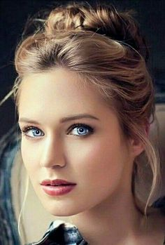 Top Colorista Hair Makeup Ideas for Womens Most Beautiful Faces, Stunning Eyes, Gorgeous Eyes, Beautiful Girl Image, Pretty Eyes, Beautiful Women, Girl Face, Woman Face, Blonde Beauty