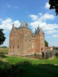 Zaltbommel-Poederoijen (Gelderland) - Loevestein Castle / Schloss Loevestein / Château de Loevestein