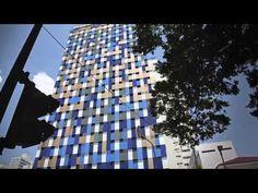 Revista Arquitetura e Construção - Fachada de hotel interage com os pedestres em São Paulo
