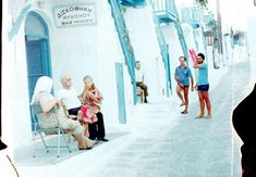 Mykonos 1978 Beautiful Islands, Beautiful Beaches, Magnified Images, Old Time Photos, Mykonos Island, Greece Islands, Top Destinations, The Past, Pictures