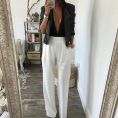 Very similar to our best selling Chloe pant, this white, wide leg pant is a must…