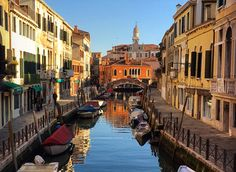 Our Top 10 Tips for Visiting Venice Visit Venice, Backpacking Europe, Amazing Destinations, Italy, Tips, Italia, Counseling