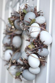 Easter egg wreath I húsvéti koszorú Hoppy Easter, Easter Eggs, Easter Bunny, Easter Crafts, Holiday Crafts, Easter Decor, Easter Ideas, Easter Centerpiece, Bunny Crafts