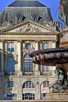 Fontaine et place de la Bourse, Bordeaux | France Bordeux France, Chateau Bordeaux, Montecarlo Monaco, Visit Bordeaux, Dordogne, French Chateau, French Countryside, France Travel, Paris France