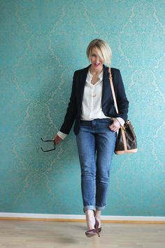 A fashion blog for women over 40 and mature women http://glamupyourlifestyle.blogspot.de/  Blazer: Zara Bluse: Dorothee Schumacher Jeans: NYDJ Pumps: Pura Lopez Bag: Louis Vuitton