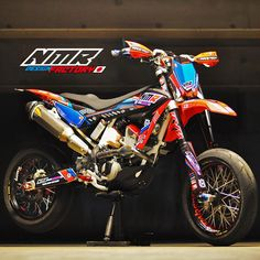 Duke Motorcycle, Tracker Motorcycle, Moto Bike, Cool Dirt Bikes, Enduro Motocross, Universal Motor, Off Road Bikes, Custom Sport Bikes, Street Bikes