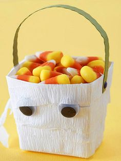 Mummy Halloween Bucket - Party table decors