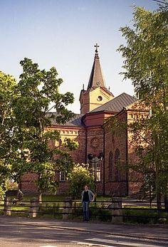 Pälkäneen kirkko in Finland Grave Monuments, Graveyards, Finland, Big Ben, Places To Travel, Tower, Building, Lathe, Destinations