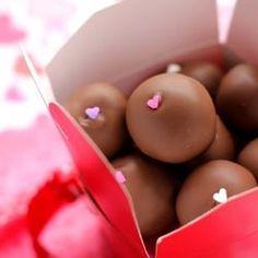 Red Velvet & Cheesecake Cake Balls