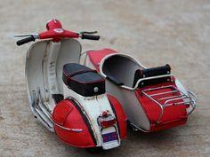 Handmade Antique Metal VESPA Scooter Three Motorcycle Model - Handmade Antique Home Decor Model Items ::INFPASS